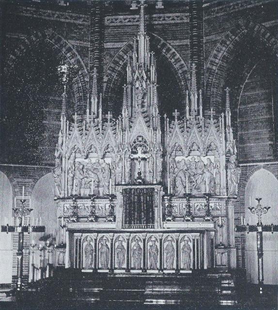 Het hoogaltaar van de Vituskerk